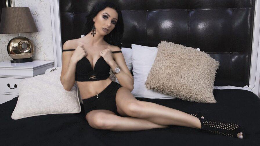 AdrieneBlu