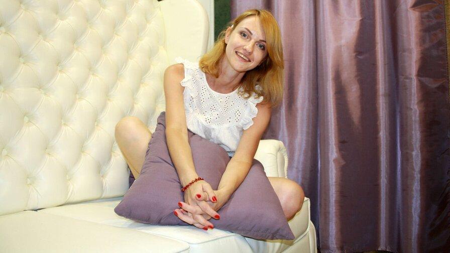 YasminaHayes